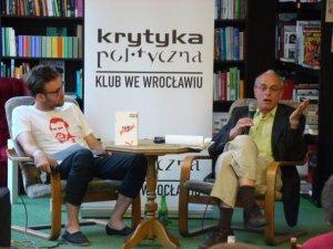 Krytyka Polityczna frecuenta el espacio
